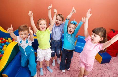 Bei Creativkopf finden Sie die Kinderbetreuung zu Firmenfeiern.